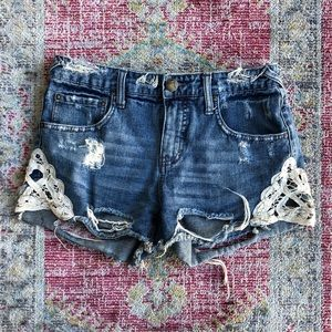 Free People distressed denim & lace shorts sz 26